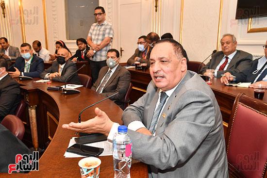لجنة الصناعة (11)