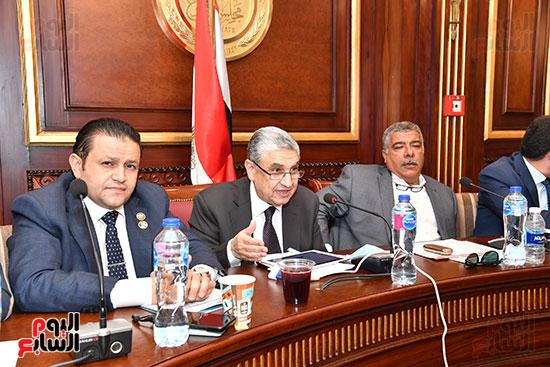 لجنة الصناعة (10)