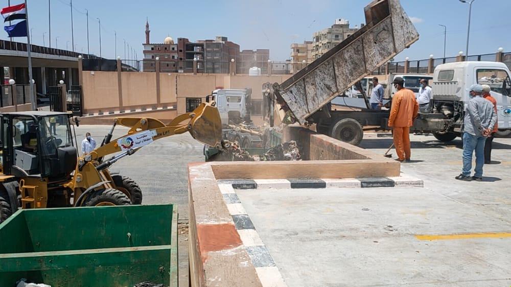 المحطة الوسيطة لرفع القمامة بدمنهور