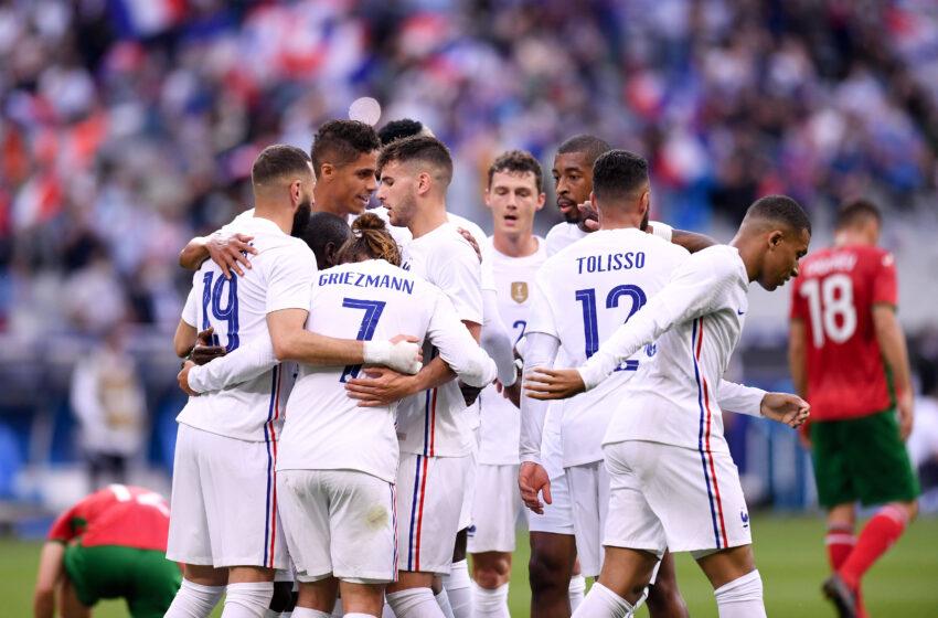 احتفال لاعبى فرنسا