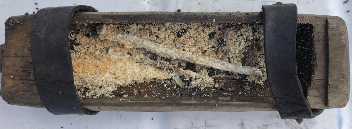 الصندوق الخشبى وقطعة العسل