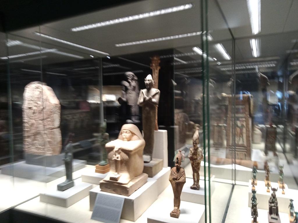 قطع اثرية بمتحف كفر الشيخ
