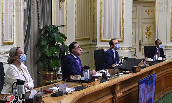 رئيس الوزراء يشارك باجتماع افتراضى للجنة القادة الأفارقة المعنيين بتغير المناخ (2)