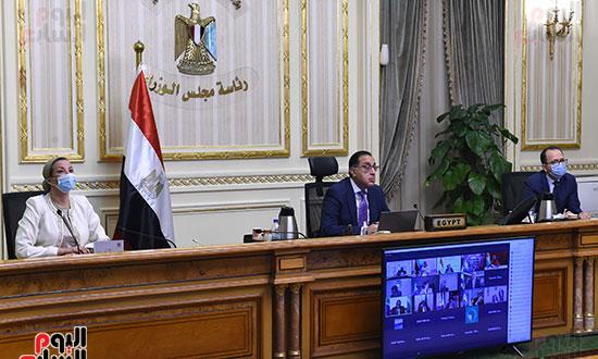 رئيس الوزراء يشارك باجتماع افتراضى للجنة القادة الأفارقة المعنيين بتغير المناخ (1)