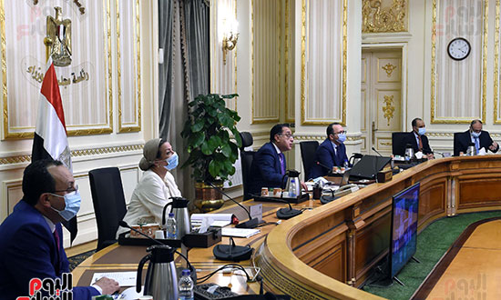 رئيس الوزراء يشارك باجتماع افتراضى للجنة القادة الأفارقة المعنيين بتغير المناخ (4)