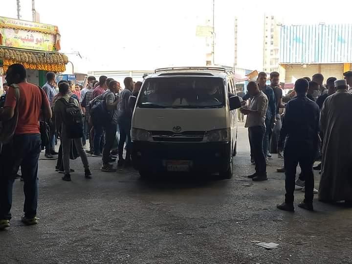 سيارات لنقل المواطنين (1)