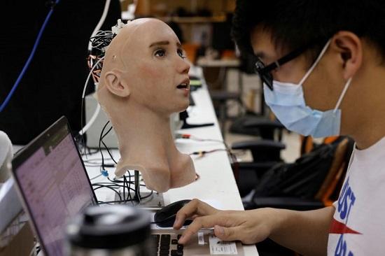 الفريق الذي نفذ جريس هو المسؤول عن الروبوت صوفيا