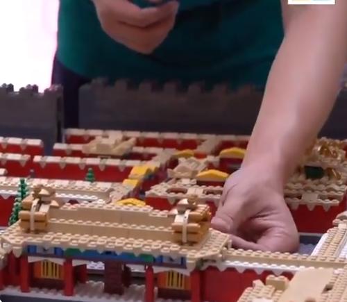 بناء نموذج المدينة
