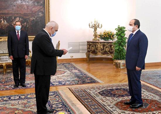 الرئيس السيسي يشهد أداء حلف اليمين للمستشار حسين مصطفى فتحى رئيسا لهيئة قضايا الدولة (2)