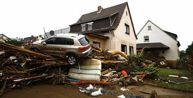 انهيار منزل