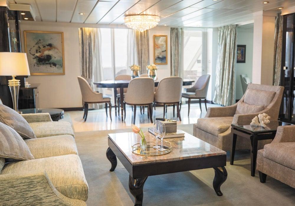 غرفة داخل السفينة