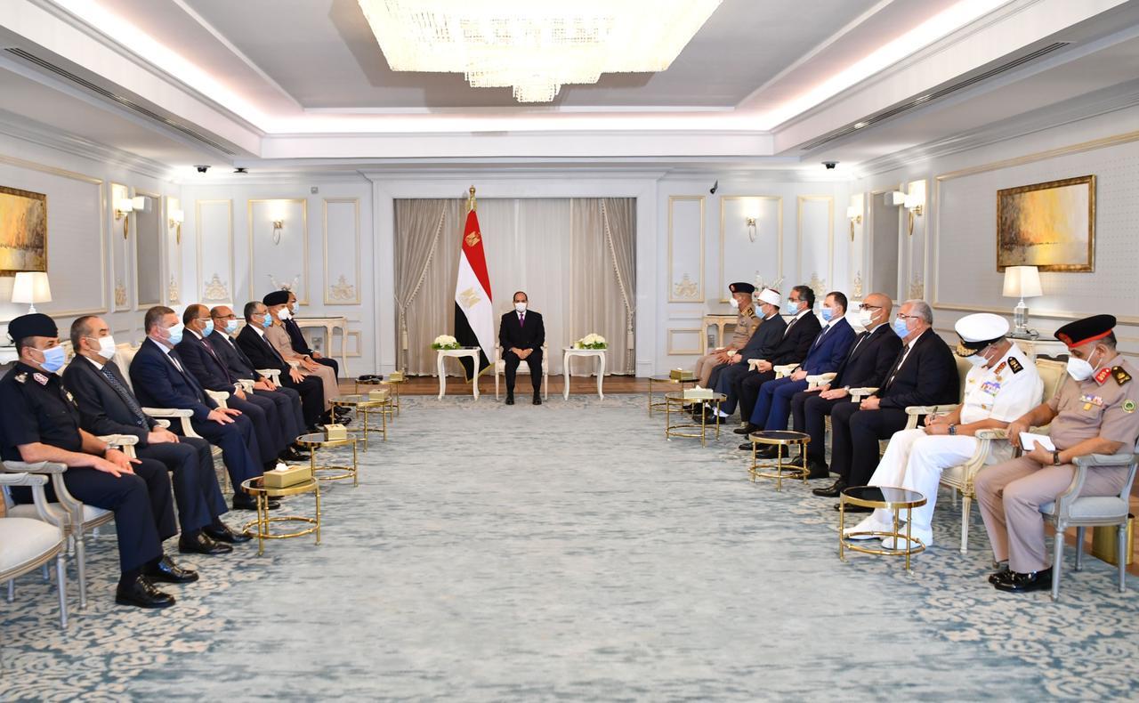الرئيس السيسي يعقد اجتماع بالعلمين (3)