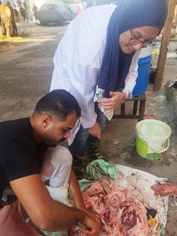 طبيبات الإسماعيلية البيطريات يتصدرن مشهد الإشراف على ذبح الأضاحي (10)