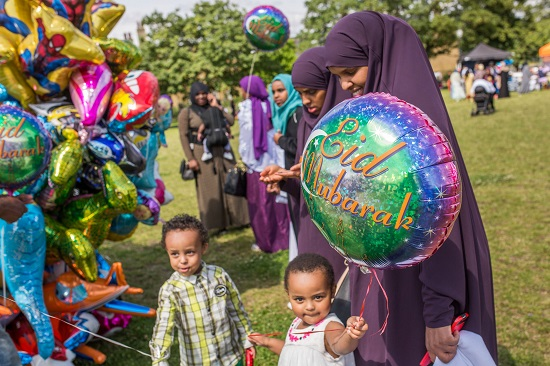 الاحتفال بالعيد (1)