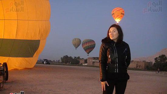 سعادة-جميلات-العالم-برحلات-البالون