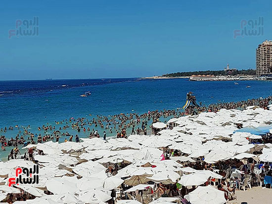 شواطئ-الإسكندرية-كاملة-العدد-فى-ثانى-أيام-العيد-(8)