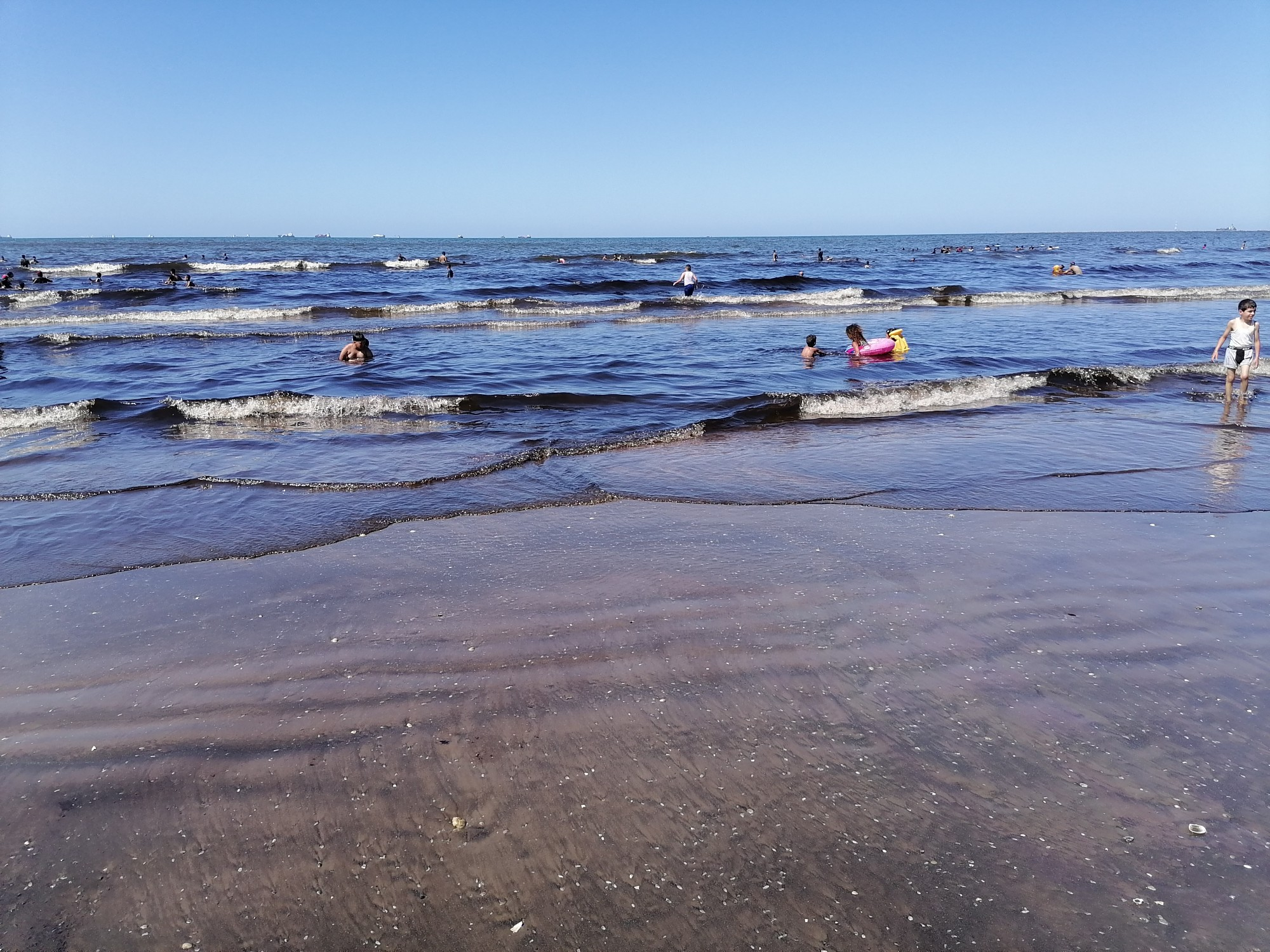 تحول مياه البحر للأسود