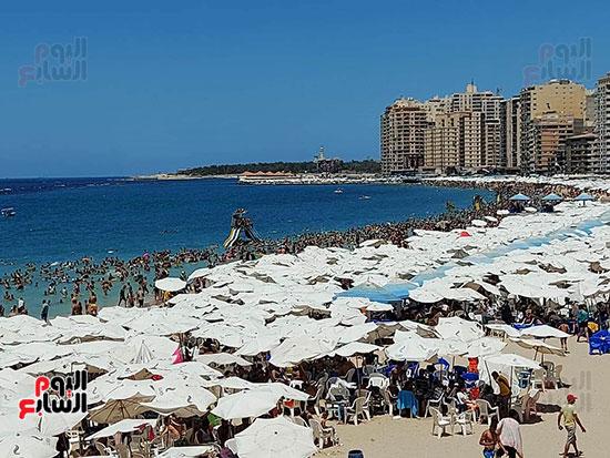شواطئ-الإسكندرية-كاملة-العدد-فى-ثانى-أيام-العيد-(2)