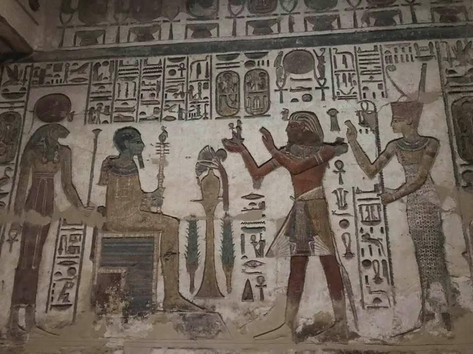 ألوان مبهجة منذ آلاف السنين بالكرنك