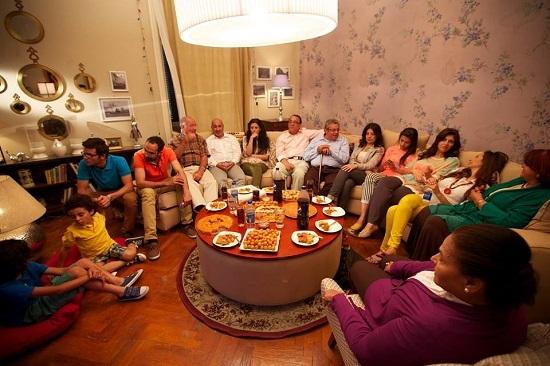 تجمع أفراد العائلة