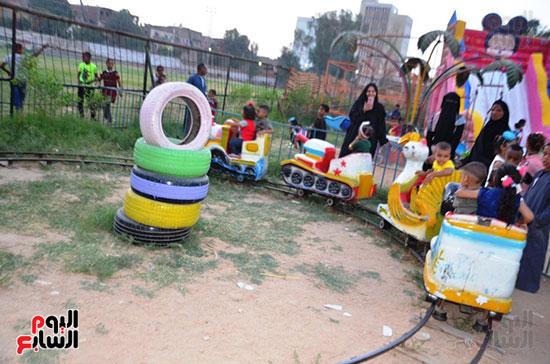 فرحة-أطفال-قرى-مدينة-إسنا-بالعيد-بعد-انكسار-حرارة-الطقس-(6)
