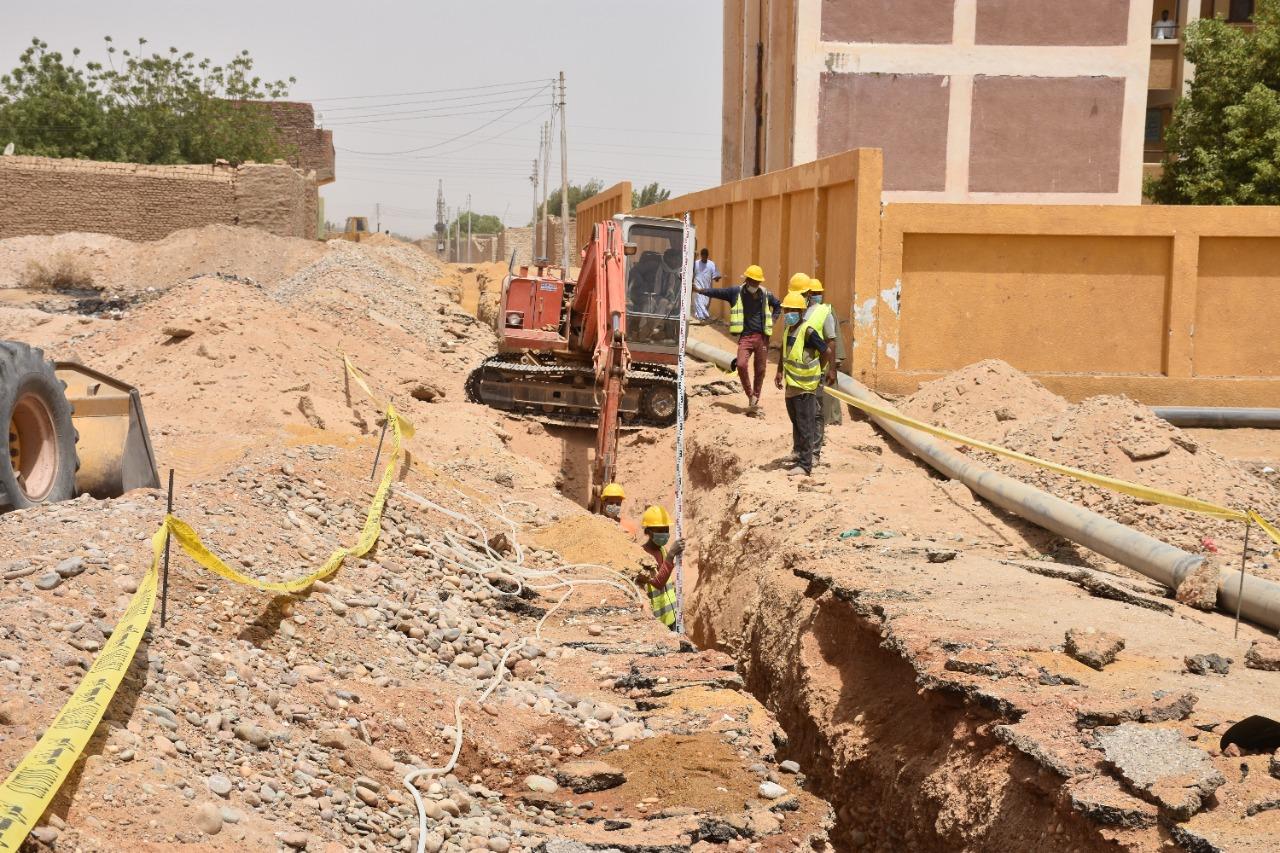 مشروعات الصرف الصحى بأسوان