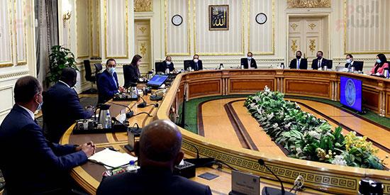 رئيس الوزراء يلتقى الرئيس التنفيذى لمؤسسة التمويل الأفريقية (1)