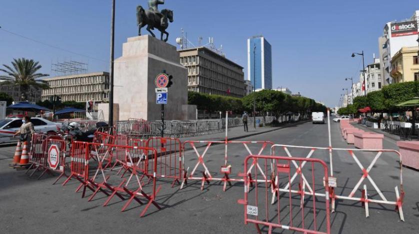 حواجز حديدية بمحيط شارع الحبيب بورقيبة بتونس