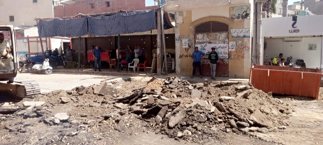 اعادة رصف الطرق بمدينة بيلا