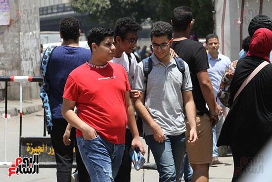 خروج طلاب الثانوية العامة (4)