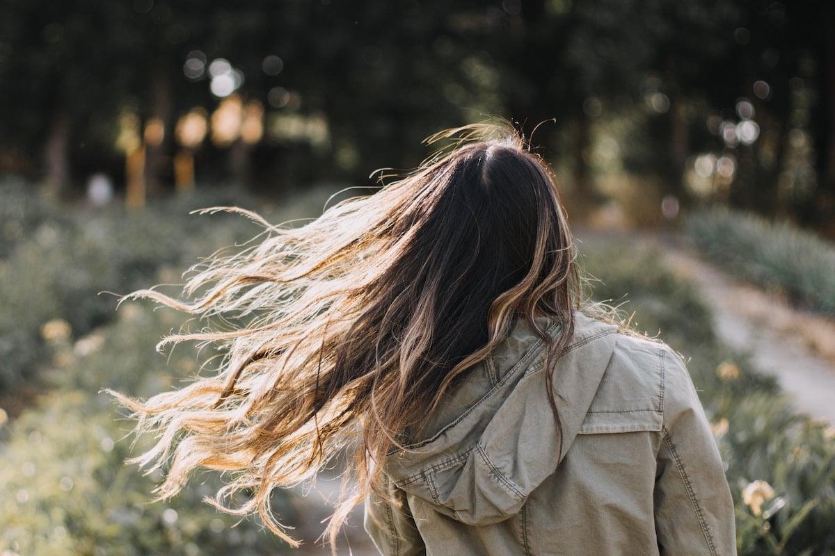 طرق طبيعية لتغيير لون الشعر