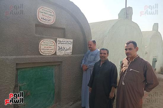 قبر-سعيد-صالح-يجمع-محبيه-إحياءً-لذكراه-(6)