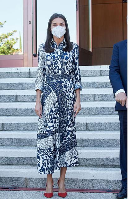 الملكة ليتزيا بفستان من فيكتوريا بيكهام
