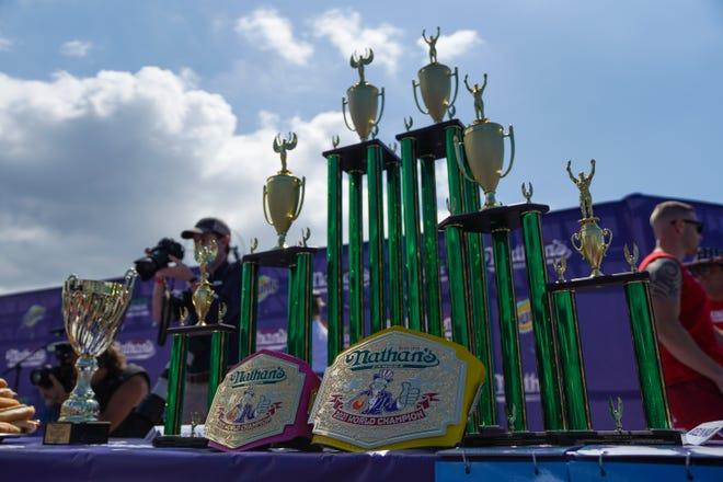 مسابقة الهوت دوج فى أمريكا (12)
