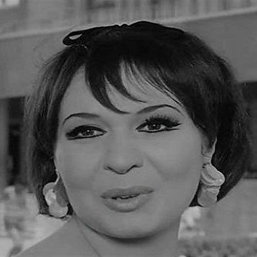 نادية سيف النصر فنانة