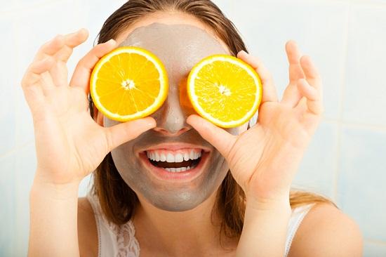 طرق طبيعية من الليمون للبشرة