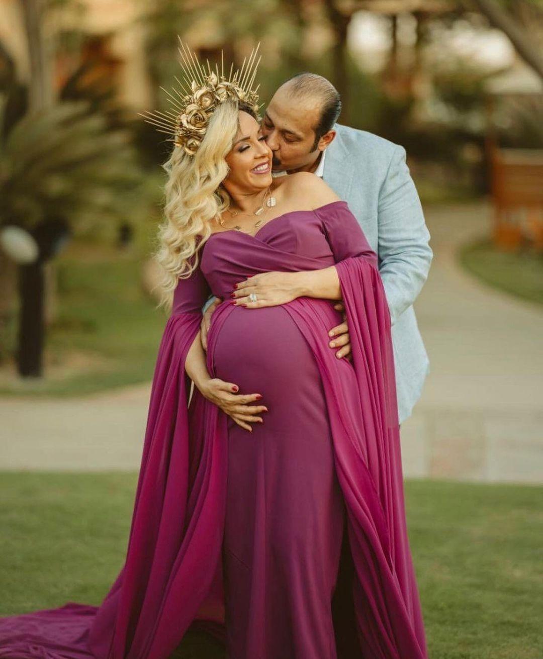 الفنان محمد ثروت وزوجته  (4)