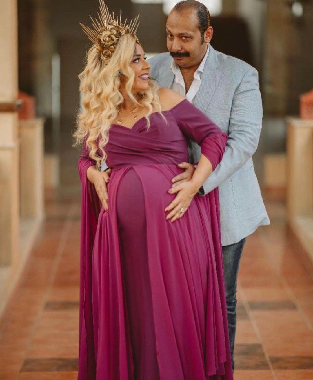 الفنان محمد ثروت وزوجته  (2)
