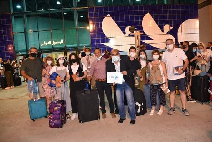 وصول أول رحلة جوية قادمة من مدريد تقل 114 سائح