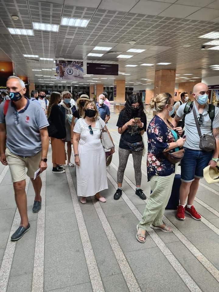 وصول أول رحلة جوية قادمة من مدريد لمطار الأقصر