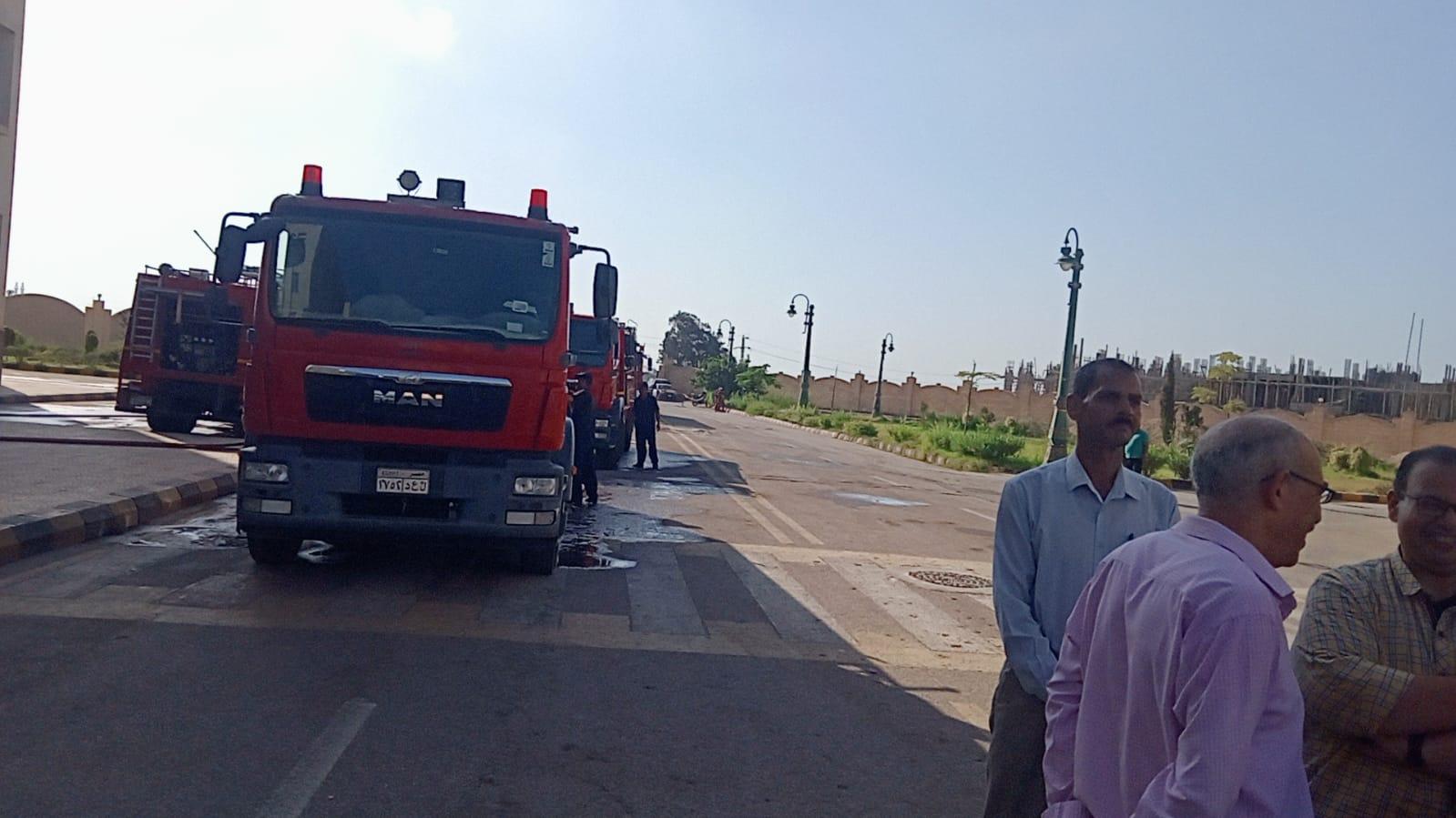 لحظة وصل سيارات الاطفاء