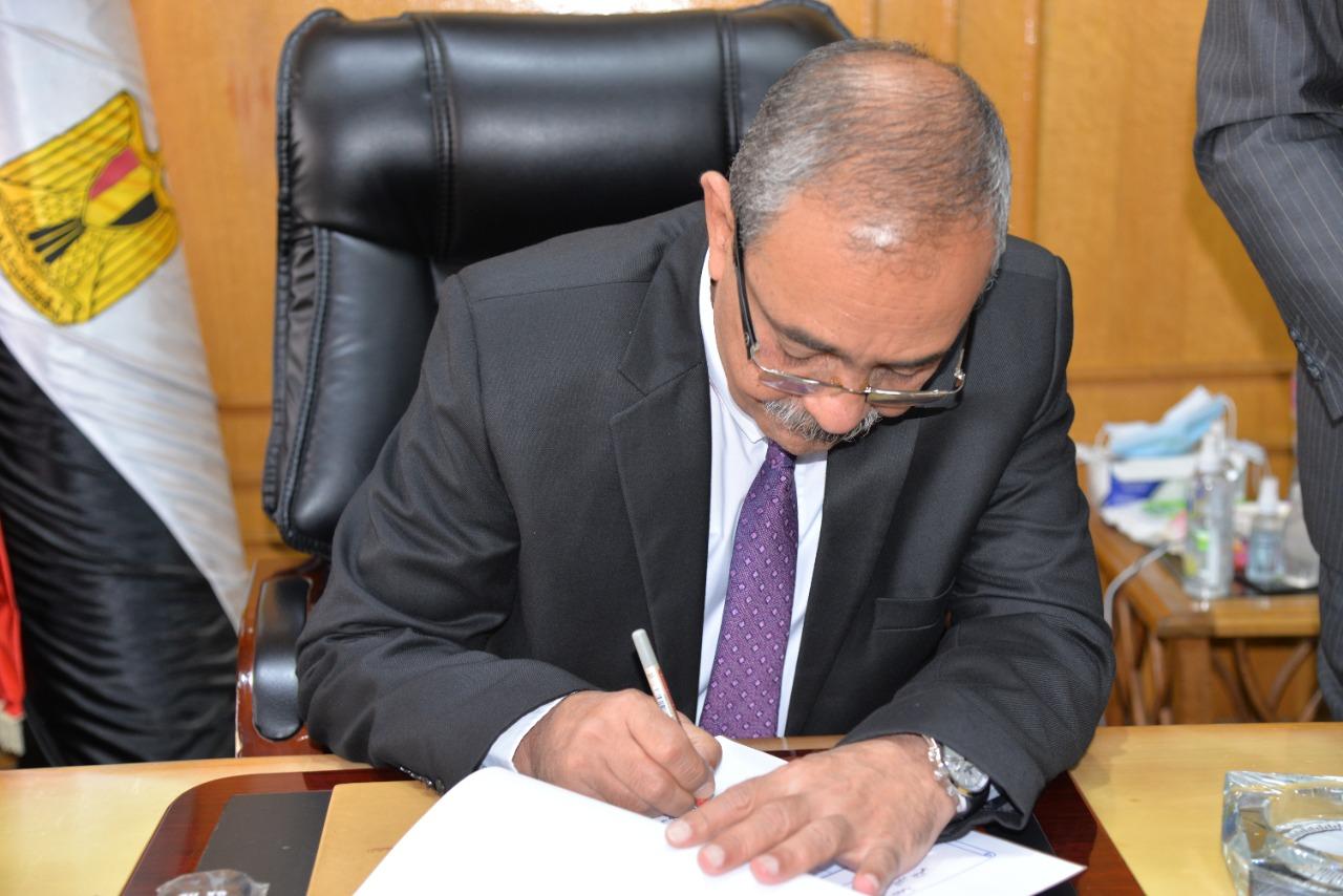 محافظ الإسماعيلية يوافق على نتيجة الجولة الثانية من الشهادة الإعدادية[4)