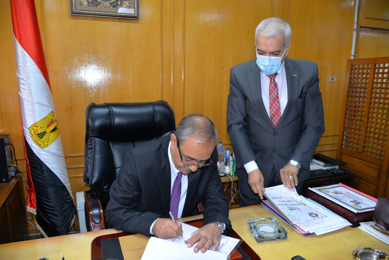 محافظ الإسماعيلية يوافق على نتيجة الجولة الثانية من الشهادة الإعدادية (3)