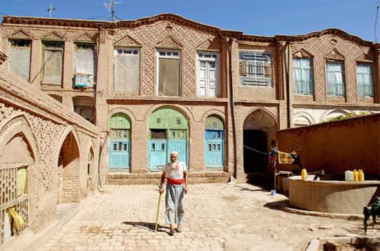 مبانى قديمة ذات تراث بديع تقليدي من مدينة هيرات غرب كابول