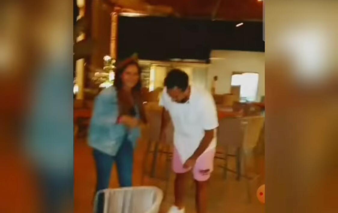 نيللي كريم ترقص برفقة هشام عاشور علي اغنية مبروك  (2)