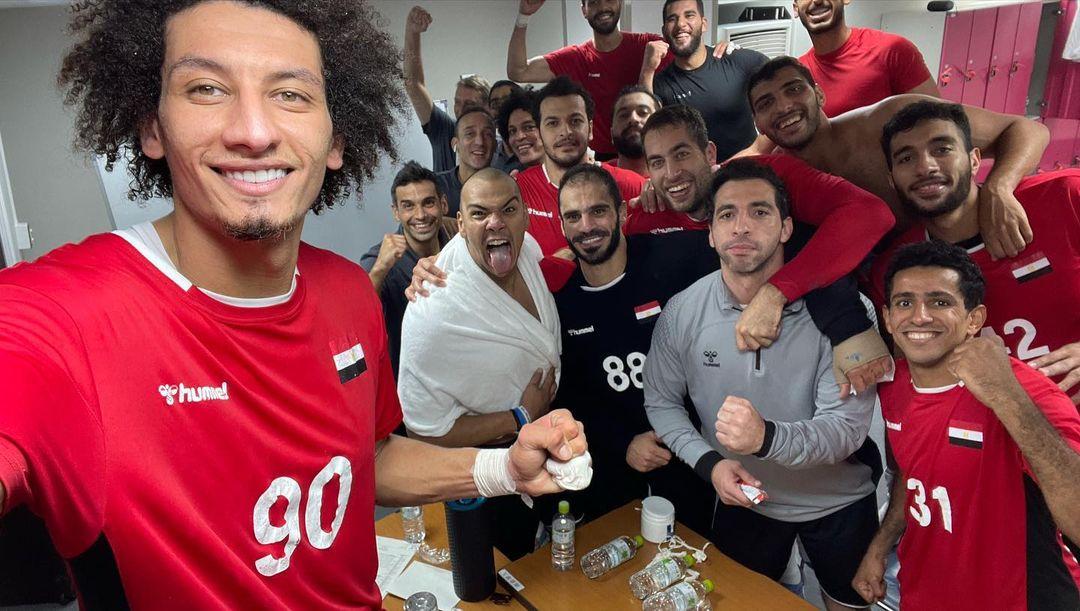 احتفال منتخب اليد بالتأهل لنصف نهائى الأولمبياد