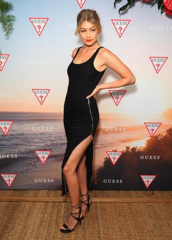 Gigi Hadid's Most Beautiful Dresses (5)