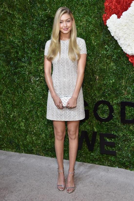 Gigi Hadid's Most Beautiful Dresses (4)
