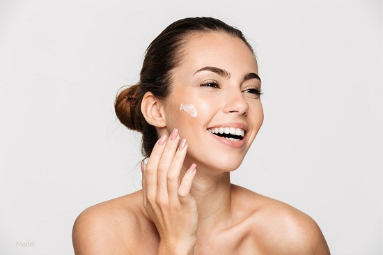 Natural ways to get rid of dark spots on the face