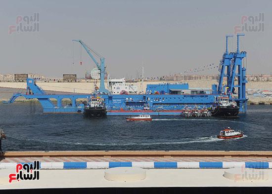 رئيس الوزراء يشهد مراسم رفع العلم على الكراكة حسين طنطاوي (24)